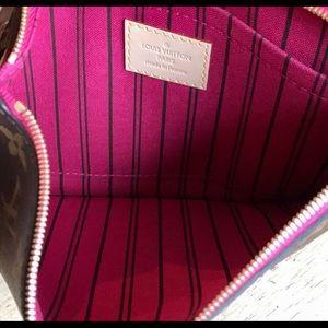Louis Vuitton Bags - Louis Vuitton Neverfull Pouch